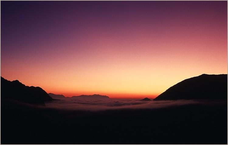 Les paupières de l'aurore. dans Liens aurore_aiglun