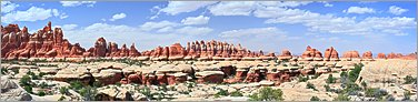 Canyonlands NP -  (The Needles) Chesler Park en vue panoramique  (CANON 5D + EF 50mm)