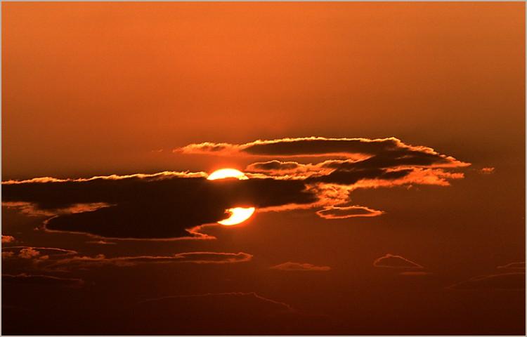 http://www.naturepixel.com/nuages_soleil_2.jpg